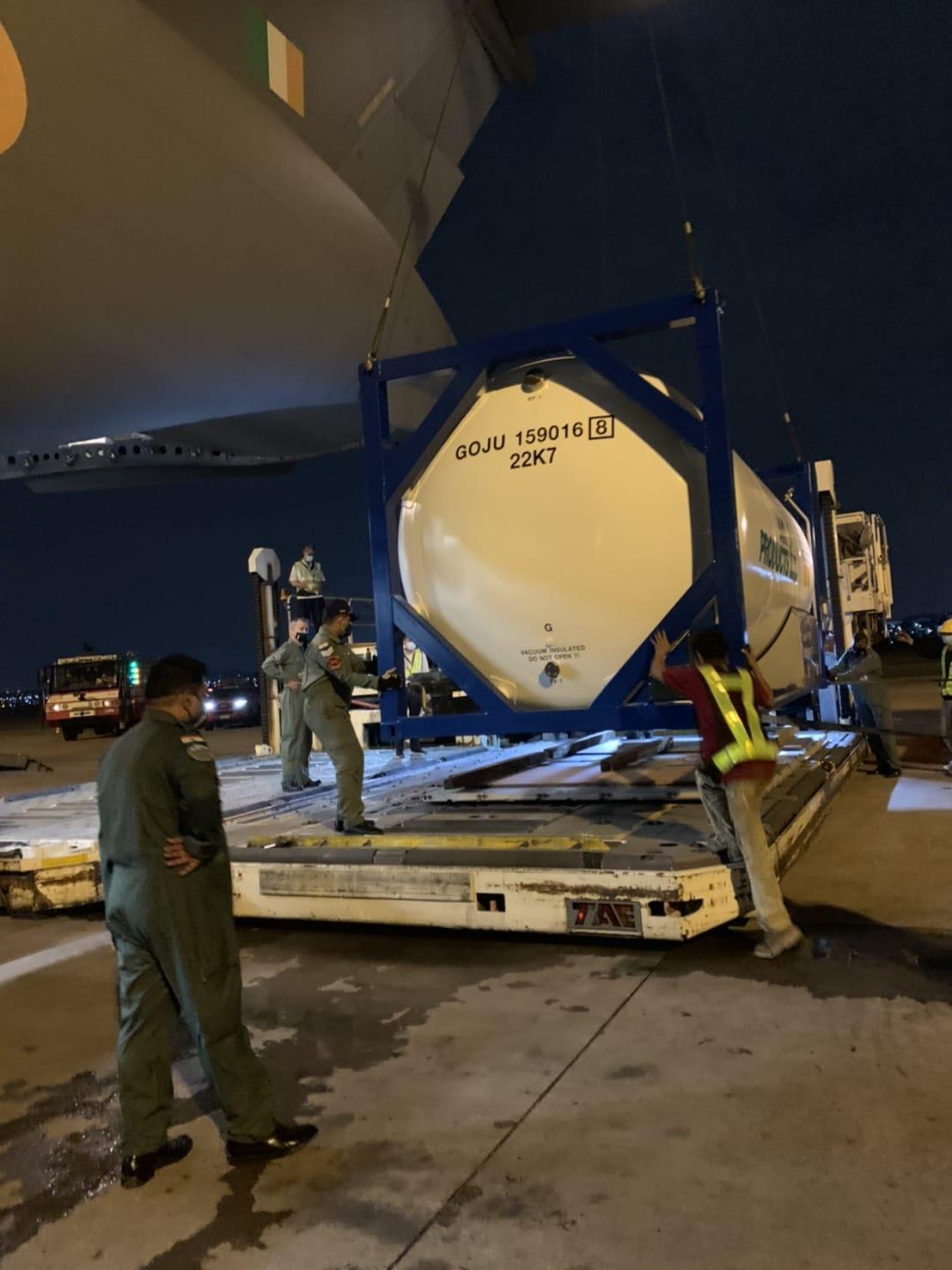 Loading tank in C-17